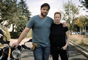 Ronald Zehrfeld (DENGLER) & Birgit Minichmayr (OLGA), Foto 2018, ZDF/Stephan